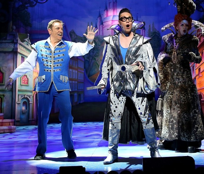 Review: Cinderella at Bristol Hippodrome