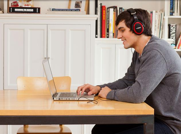 KOSS STRIVA Wi-Fi Headphones