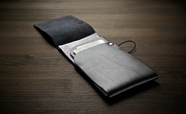 MANEKIBOOK BLACK WALLET