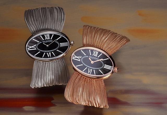 Valentino Women's Oval Plisse Bracelet Watch