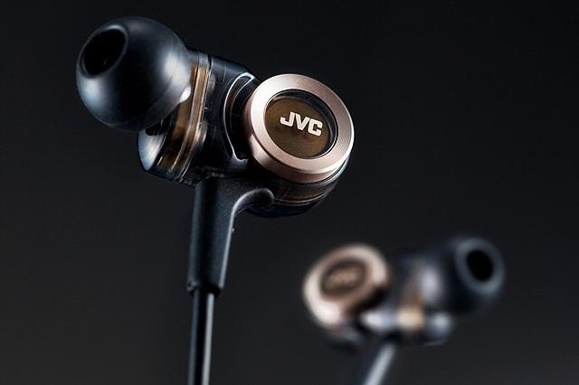 JVC HA-FXZ200 In-Ear Headphone_3