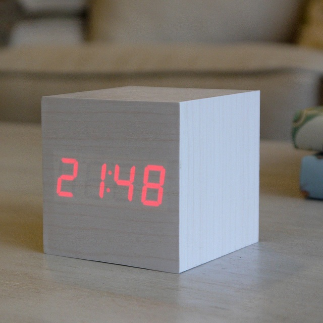 Gingko LED Cube Alarm Click Clock_3