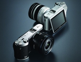 Samsung NX300: 3D-capable 20MP Mirrorless Camera