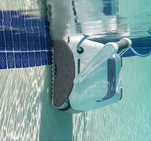 iRobot Verro 500 PowerScrub Pool-Cleaning Robot_6