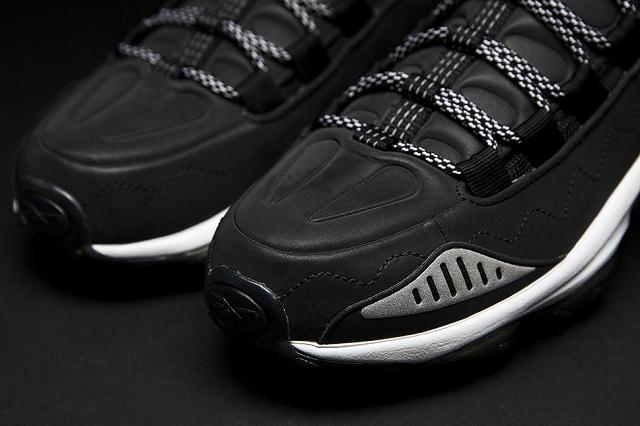 Sneakersnstuff x Reebok DMX Run 10_6