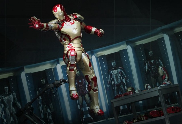 Iron Man 3  - Power Pose Mark XLII_3