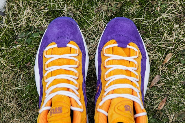 Sneakersnstuff x Reebok Question Mid The Crocus_10