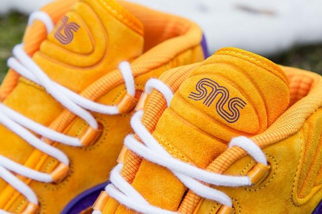 Sneakersnstuff x Reebok Question Mid The Crocus_4