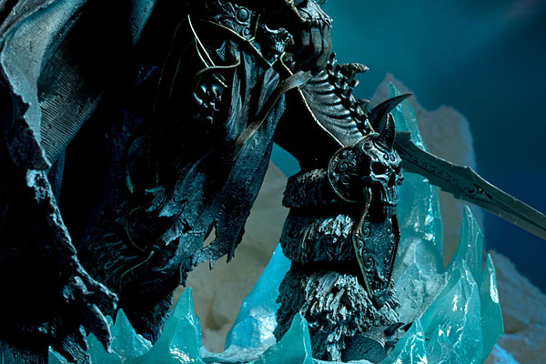 World of Warcraft Arthas Limited Edition Deluxe Statue_8