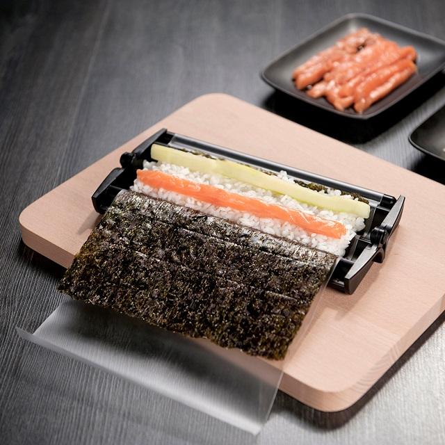 Easy Sushi Roller Set + Recipe Booklet_5