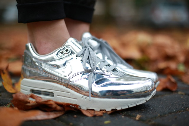 "Nike WMNS Air Max 1 SP ""Liquid Silver"""