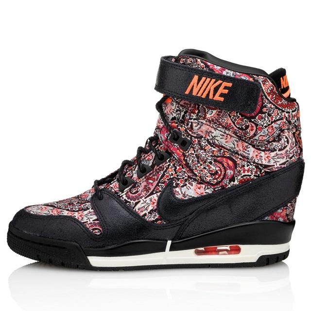 Nike Wmns Air Revolution Sky Hi Liberty QS_2