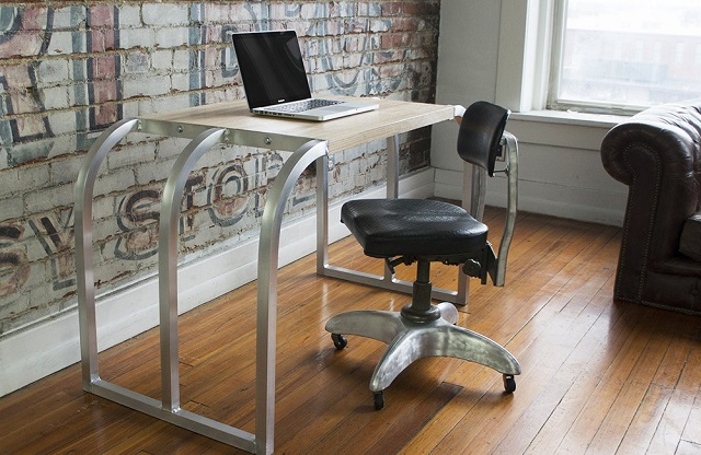 RamonaMetal-Airframe-Desk