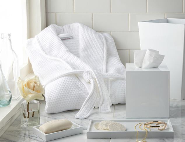 The White Bathroom at MYHABIT