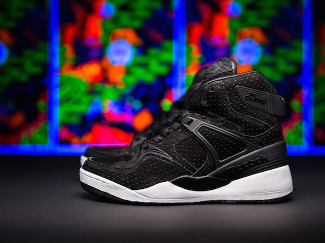 "Sneakersnstuff x Reebok The Pump ""Blacklights"""