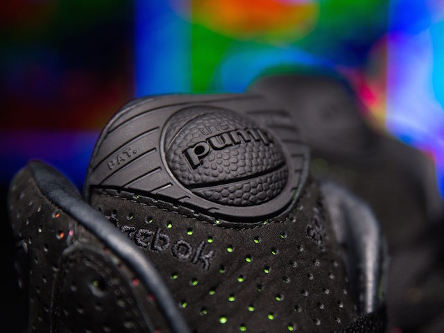 Sneakersnstuff x Reebok The Pump Blacklights_6