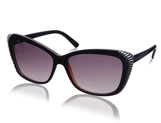 Sunglasses feat. Alexander McQueen at MYHABIT
