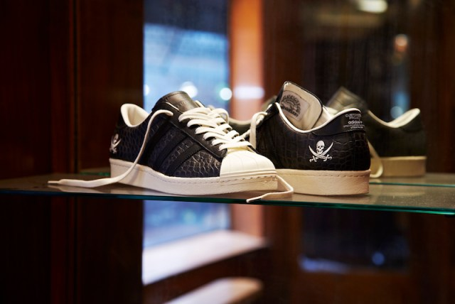 Neighborhood x adidas Consortium Superstar 80v 10th Anniversary_2