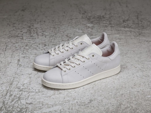 Sneakersnstuff x adidas Stan Smith Shades of White