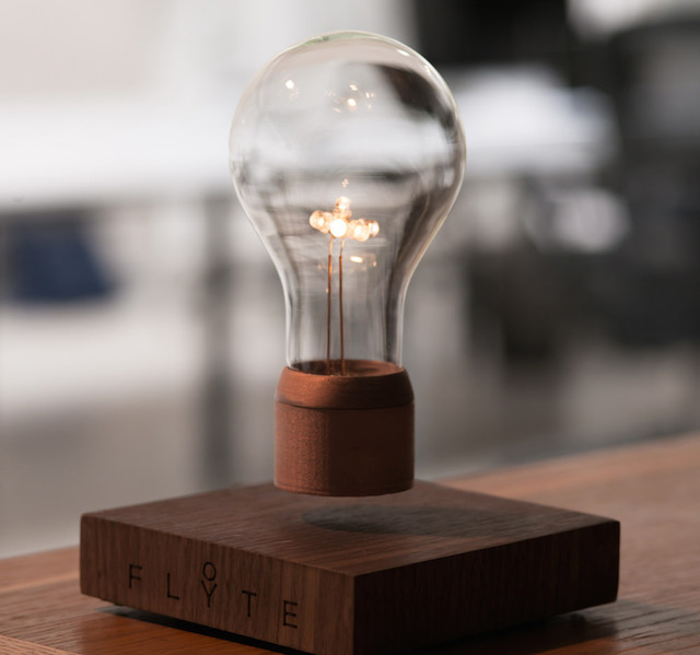 Flyte Levitating Lightbulb_2