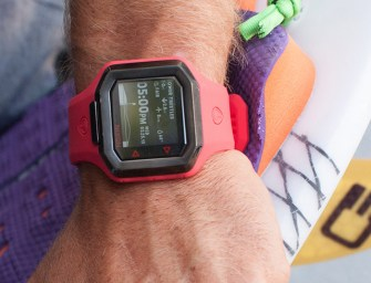 Nixon Ultratide Powered by Surfline: World's Smartest Surf Watch