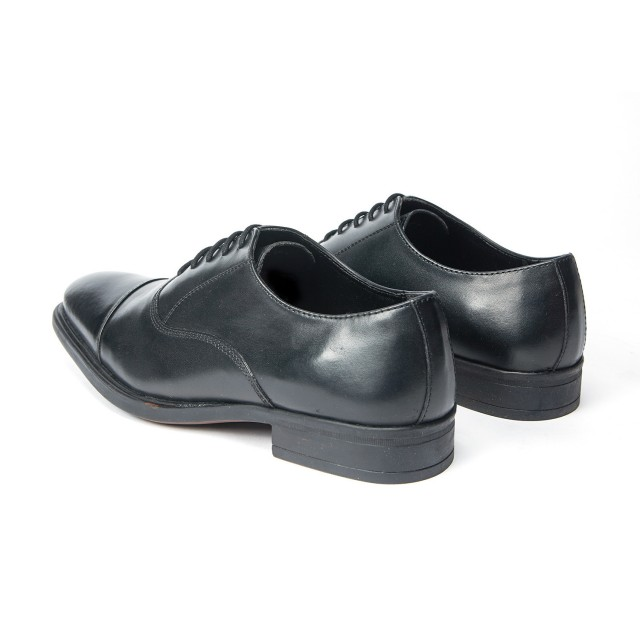 Redfoot Derby Toe Cap Oxford in Black