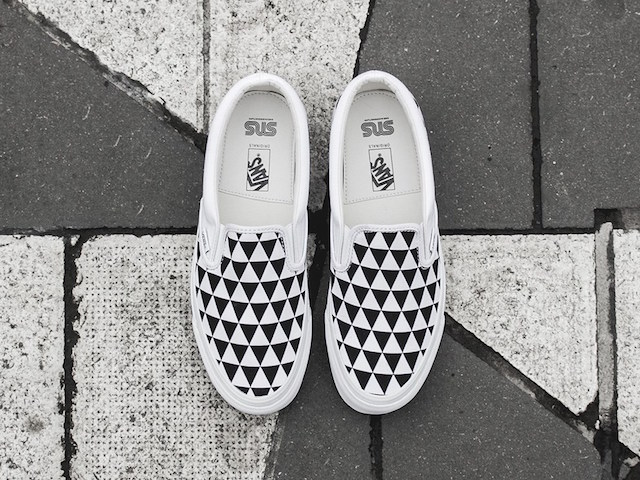 Sneakersnstuff x Vans OG Classic Slip-On LX Stockholm_2
