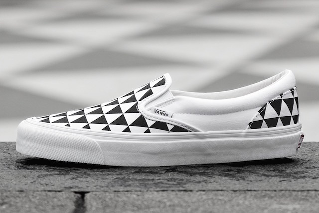 Sneakersnstuff x Vans OG Classic Slip-On LX Stockholm_3