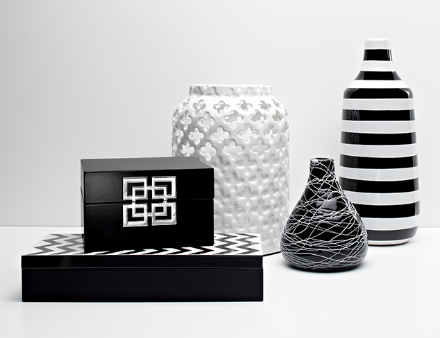 Up to 70 Off Black & White Décor at MYHABIT