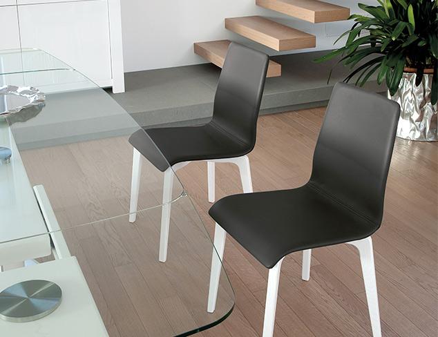 In Black & White Furniture at MYHABIT