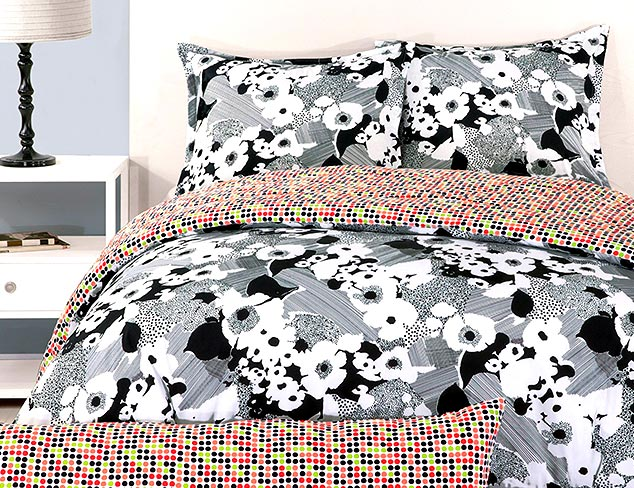 Bedding in Bold Patterns at MYHABIT