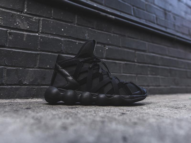 Y-3 Yohji Yamamoto Kyujo High Sneakers in Triple Black_1