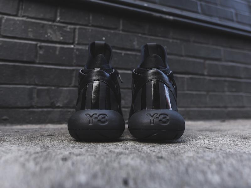 Y-3 Yohji Yamamoto Kyujo High Sneakers in Triple Black_4
