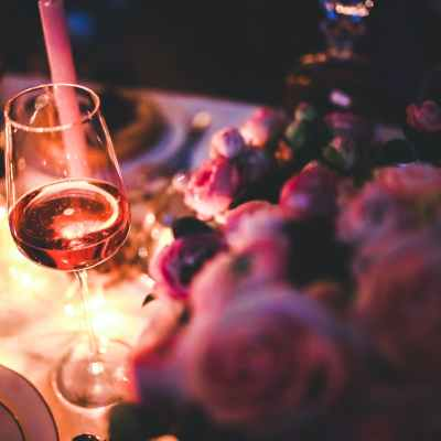 How to Create a Romantic Dinner Atmosphere at Home