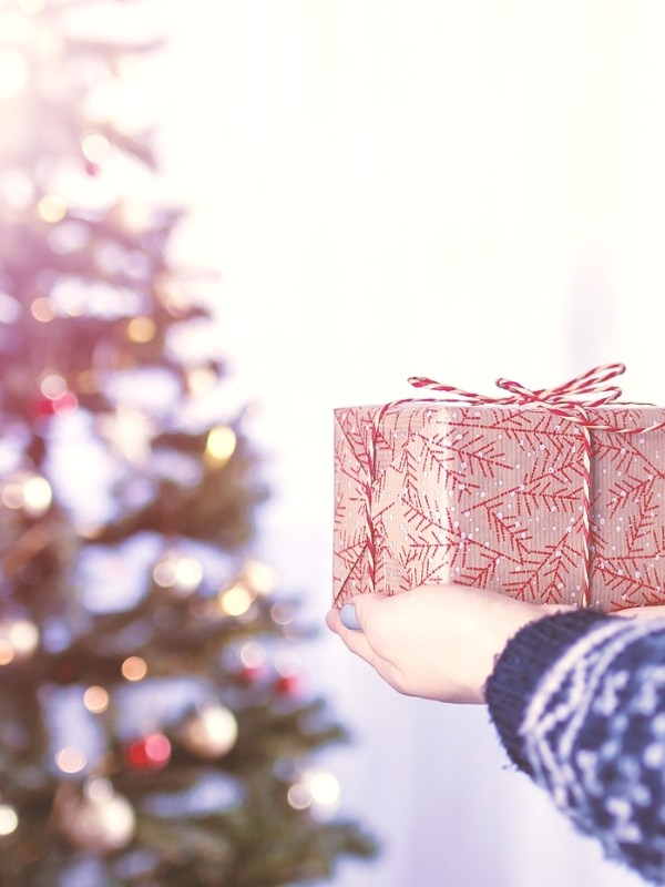 10 Stocking Stuffers & Christmas Gifts for Girls