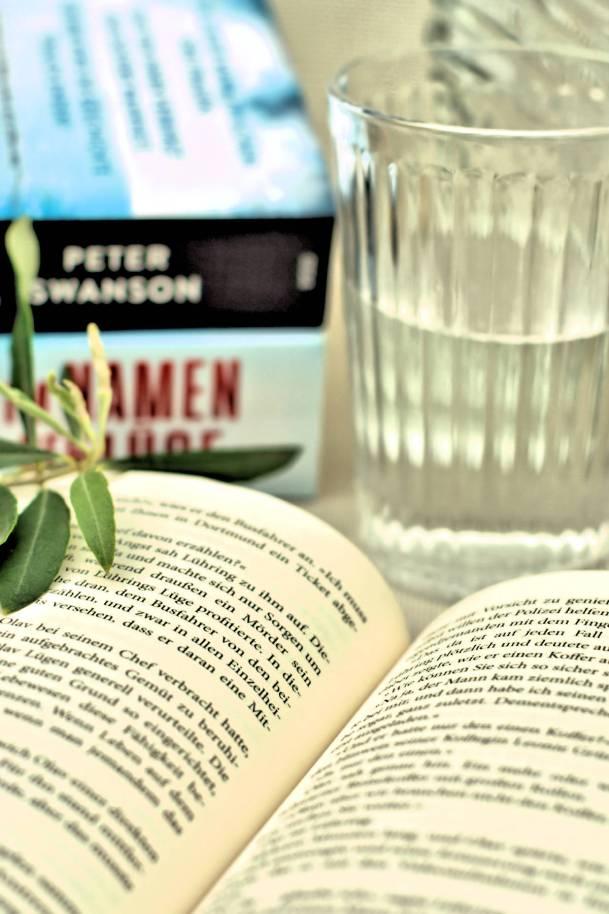 Büchertipps im August- diese drei sind spannend, fesselnd und verblüffend zugleich