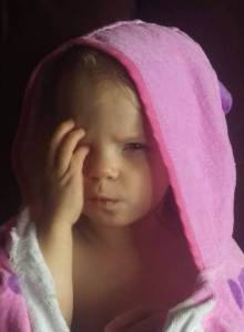 toddler hates bath shampoo crying