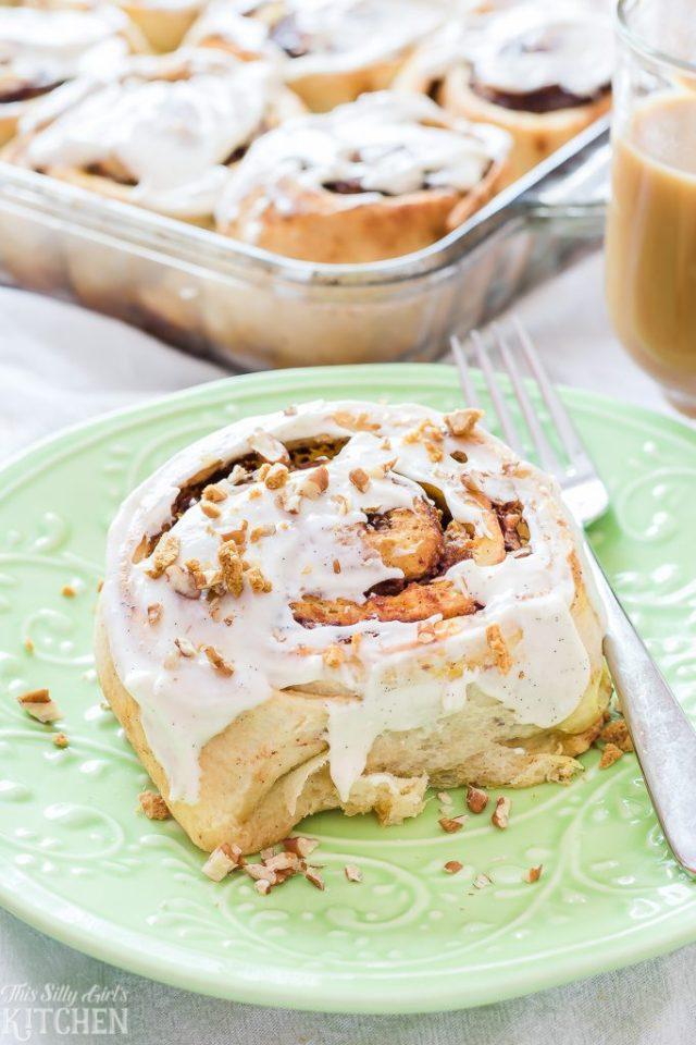 Pumpkin-Crunch-Cinnamon-Rolls-Recipe-From-ThisSillyGirlsKitchen.com-5