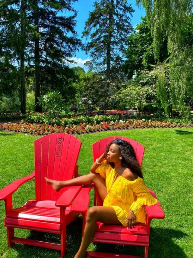 Edward Garden Lifewithtwotees Redchair