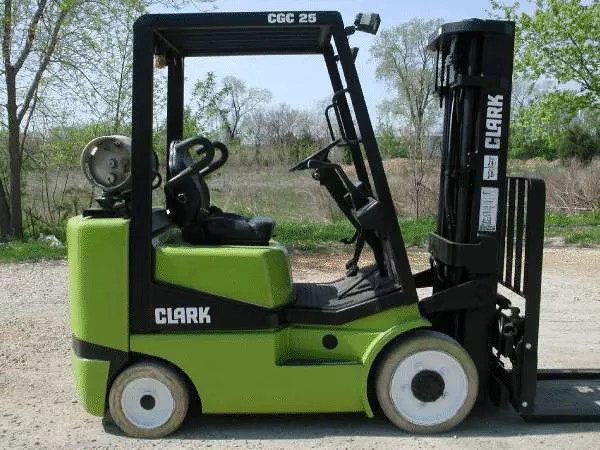 Clark CGC25 forklift