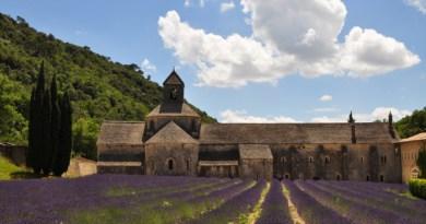 Fontaine-de-Vaucluse, Abbaye de Sénanque, Gordes e Saint-Rémy-de-Provence na Região da Provença na França
