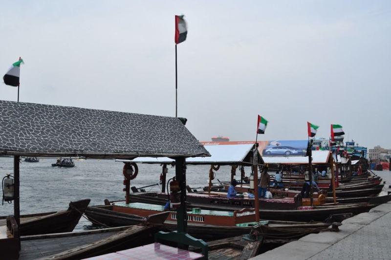 Dubai de graça - Os barcos Abra para atravessar o Dubai Creek