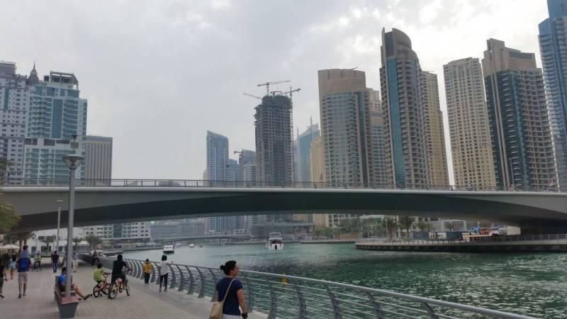 Dubai de graça - Passeando e vendo os edifícios gigantes