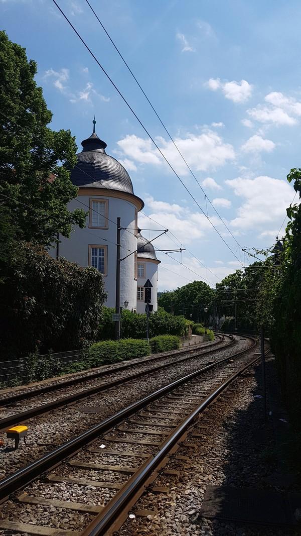 Castelo de Ettlingen Alemanha - Vista do trilho do trem