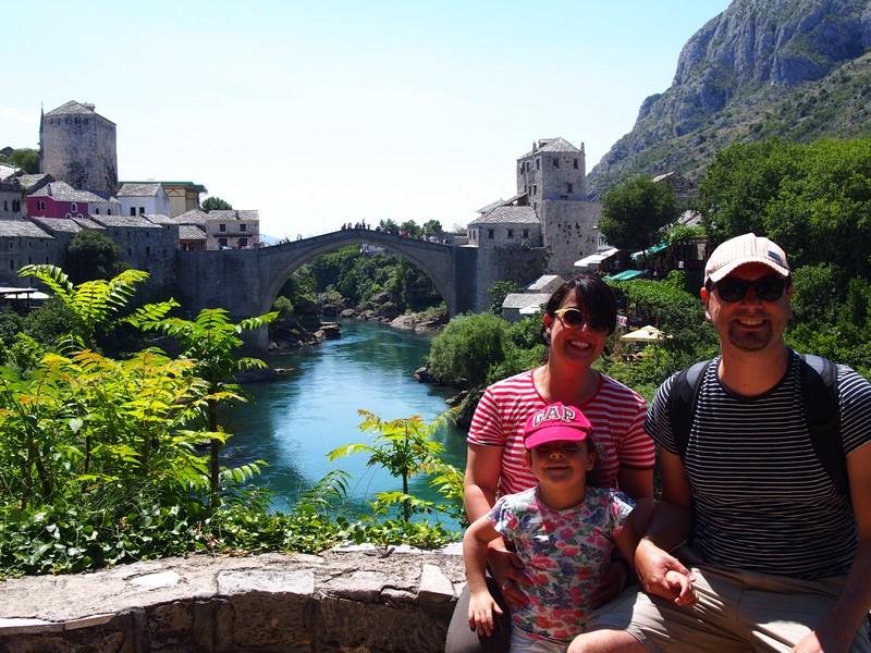Viagem Mostar Bósnia e Herzegovina - Vista do centro velho de Mostar e da ponte Stari Most a partir da mesquita Koski Mehmed Pasa
