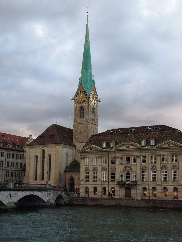 O que fazer em Zurique - Fraumunster Kirche