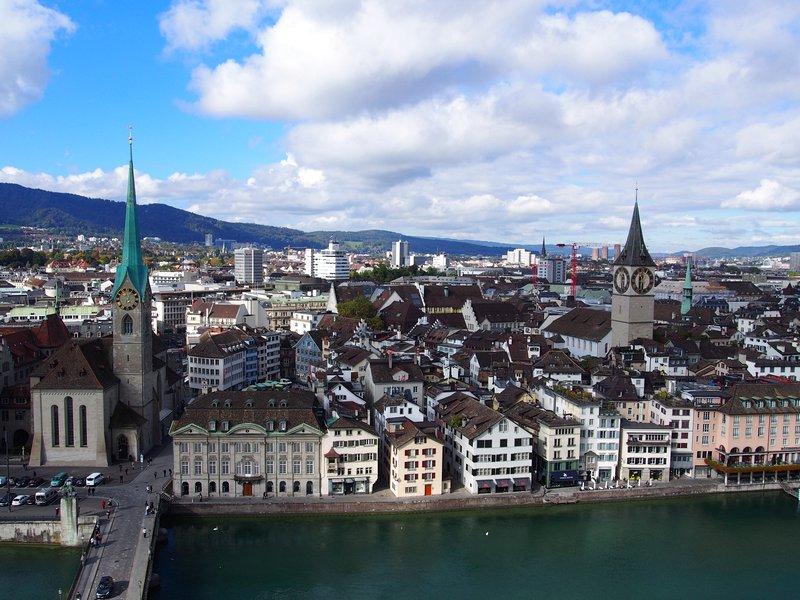 O que fazer em Zurique - Vista da Grossmünster Kirche