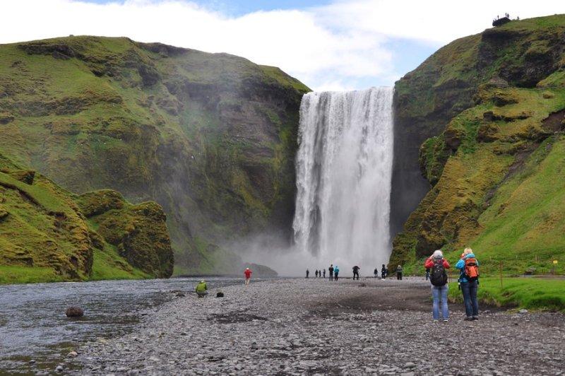 viagem islandia skógafoss - dá para chegar pertinho