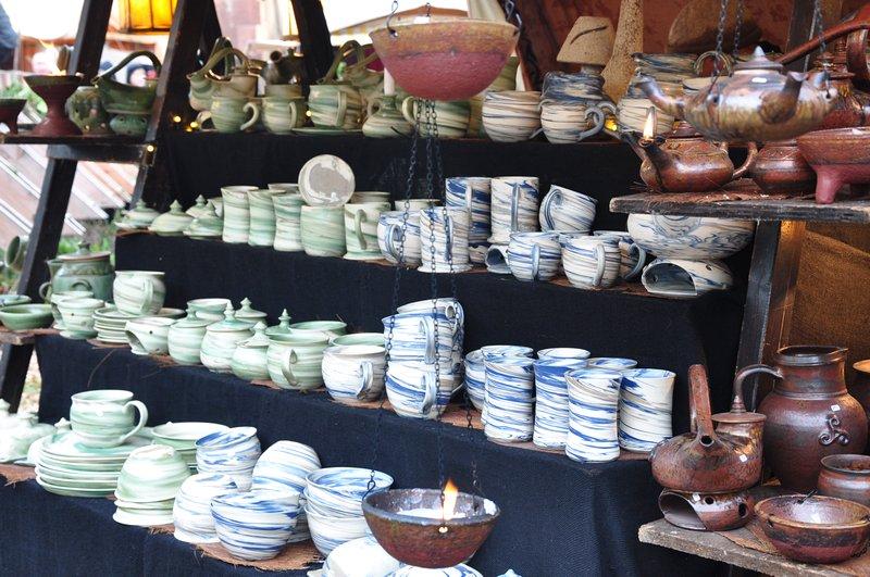 Mercado de Natal Pforzheim Alemanha - Lojas de artesanatos de produtos medievais