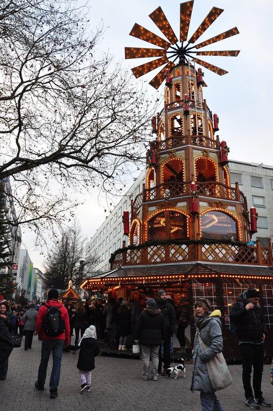 Mercado de Natal Pforzheim Alemanha - Torre de natal principal